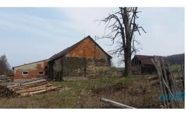 K prodeji bývalý zemědělský areál v Dětřichově nad Bystřicí
