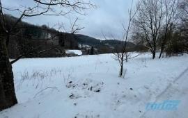 Stavební pozemek v klidné části obce Bratrušov