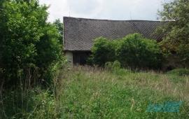 Hospodářská stavba s pozemkem v obci Střeziměř